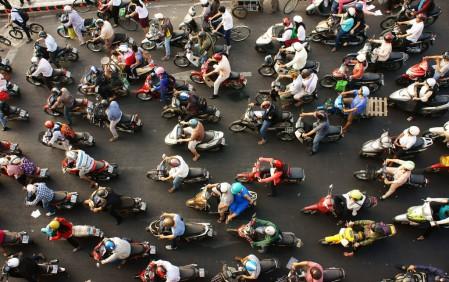 Dòng xe trên đường phố Việt Nam. Ảnh: @xuanhuongho.