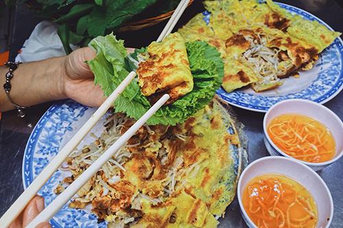 Mỗi suất ăn có giá dao động từ 30.000 - 50.000 đồng. Ảnh: Linh Sea.