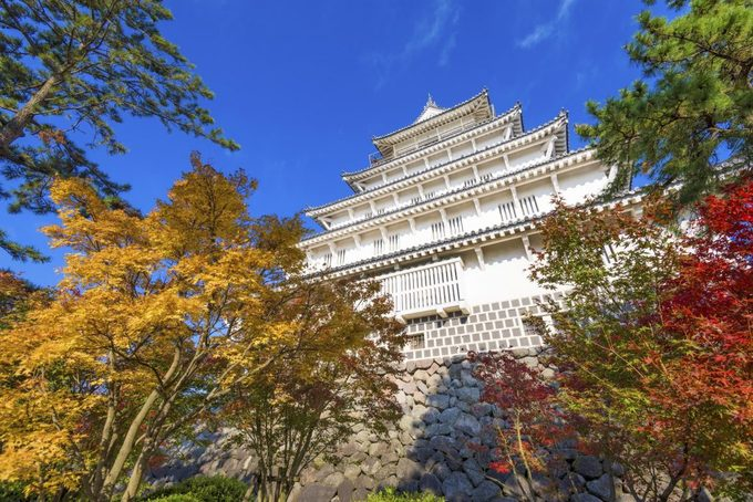 <p> <strong>Thành Shimabara</strong><br /> Nằm ở thành phố cùng tên thuộc tỉnh Nagasaki, tòa thành Shimabara do tướng Matsukura Shigemasa xây trong 7 năm vào thời Azuchi Momoyamaki (1573 – 1603). Do có quan hệ mật thiết với Cơ Đốc giáo, ngày nay tháp canh của tòa thành được khôi phục làm phòng tư liệu trưng bày tài liệu lịch sử về tôn giáo này. Ảnh: <em>GaijinPot</em>.</p>