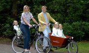 Nơi vua ra đường cũng đi xe đạp như dân thường