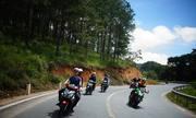 Từ Sài Gòn đi Đà Lạt bằng xe máy, tôi nên dừng nghỉ ở đâu?