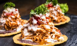 Mâm thức ăn khổng lồ được người Mexico yêu thích