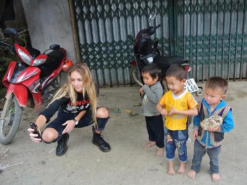 Cô gái trẻ cho biết tai nạn ở Bali không ngăn cản được giấc mơ muốn khám phá thế giới, đi du lịch của cô. Ảnh: News.