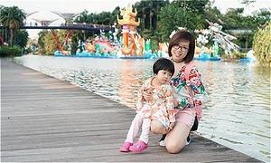 Mẹ Hà Nội đưa con 3 tuổi đi du lịch Singapore vẫn nhàn tênh