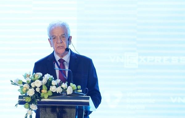 Chủ tịch Điều hành Grant Thornton Việt Nam mở đầu Phiên tham luận.