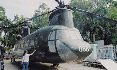 Nơi khách chụp ảnh check-in với máy bay và xe tăng ở Sài Gòn