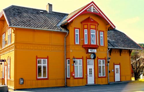 Nhà ga nổi tiếng được nhiều người tới chụp ảnh nhất Na Uy tại Hell. Ảnh: Messy Nessy Chic.