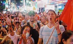 Khách Tây tin Hà Nội sẽ bùng nổ trong trận chung kết AFF Cup