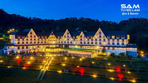 Khu nghỉ ở Đà Lạt có kiến trúc châu Âu với không gian ấm cúng thích hợp cho mùa Noel.
