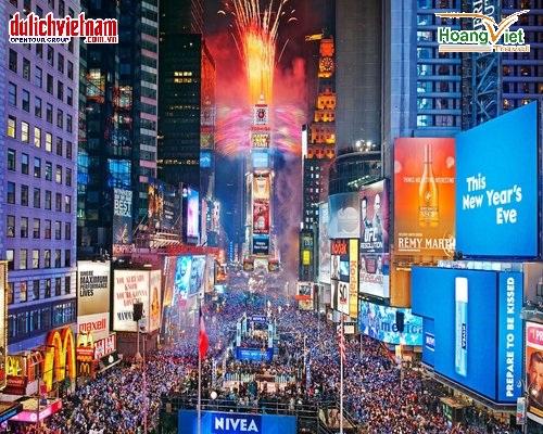 Đón năm mới tại Quảng trường Thời đại, Mỹ.