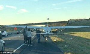 Phi công gây sốc khi hạ cánh trên cao tốc Mỹ