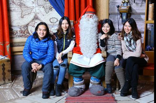 Trần Đặng Đăng Khoa đến thăm quê hương của ông già Noel hồi tháng 12/2018.