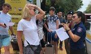 Gần 40.000 du khách mắc kẹt trên đảo Thái Lan vì bão đổ bộ