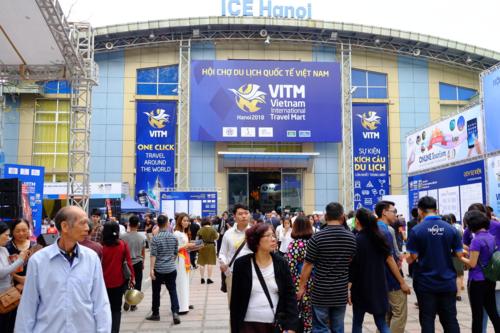 Hội chợ du lịch ở Hà Nội năm ngoái hút 70.000 lượt khách tham quan trong 4 ngày. Ảnh: Hương Chi.