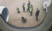 Máy bay hoãn chuyến vì khách Trung Quốc ném đồng xu vào động cơ