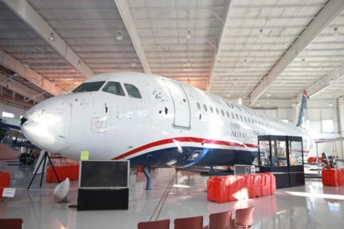 Chiếc máy bay liên quan tới sự kiện phép màu trên sông Hudson giờ được trưng bày tại bảo tàng hàng không  Carolinas ở bang North Carolina. Nhờ chiếc máy bay này, bảo tàng ngày nay trở thành một địa điểm rất hút khách du lịch. Ảnh: Traveller.