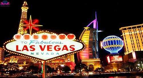 Las Vegas rực rỡ về đêm.