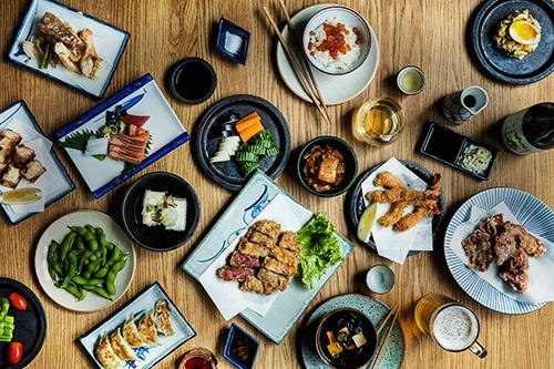 Các món ăn tiêu chuẩn trongIzakaya. Ảnh: Jah Izakaya & Sake Bar.