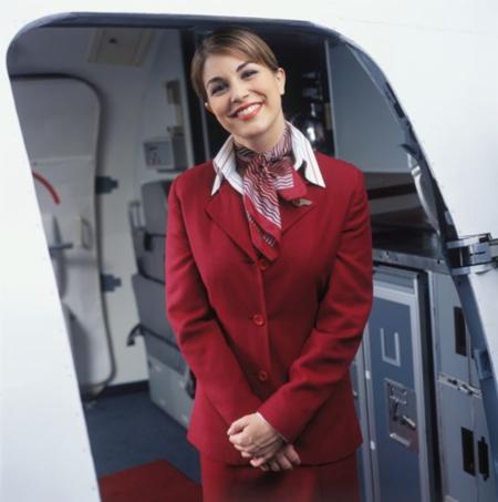 Có những thời điểm nhất định, nhân viên mặc đồng phục xuất hiện trên máy bay nhưng không phải phục vụ khách hàng. Ảnh: Mirror.