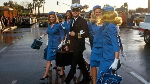 Leonardo Dicaprio đóng giả làm phi công trong phim Catch Me If You Can. Ảnh: Mental Floss.