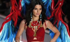 Lý do người Mexico thích mặc nội y đỏ trong đêm giao thừa