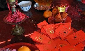 500 bao lì xì bị đánh cắp trên ban thờ ở đền Singapore