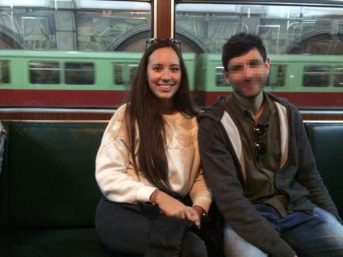 Nyima và Robert trên tàu tại Triều Tiên. Ảnh: Nyima Pratten.