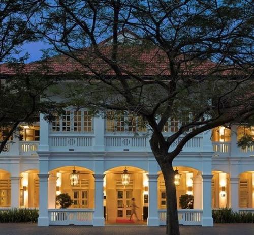 Capella là một trong những khách sạn đắt đỏ nhất tại Singapore để đặt tiệc cưới. Giá có thể lên tới 2.400 USD một bàn, tùy thuộc menu. Ảnh: Bride Story.