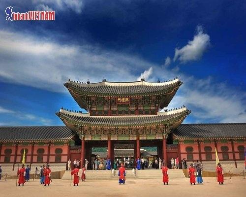 Cung điện Gyeongbukgung lớn nhất Seoul.