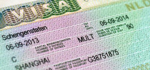 Visa châu Âu khắt khe hơn các visa khác. Ảnh: IQ Magazine.