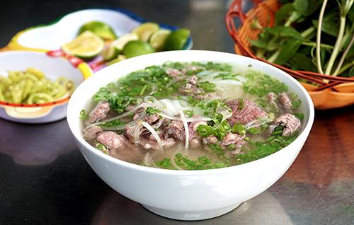 Phở là món ăn nổi tiếng, được nhiều du khách yêu thích khi tới Việt Nam. Ảnh: Di Vỹ.