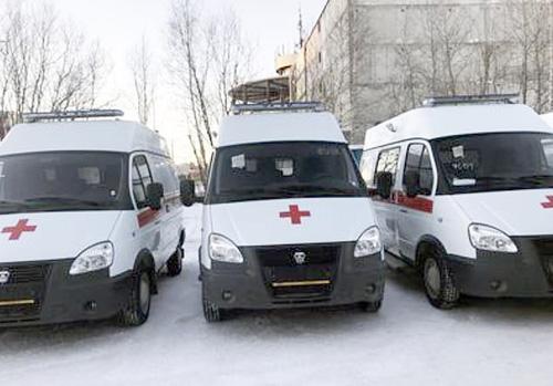 Xe cứu thương của sân bay Surgut đã đưa nạn nhân đi cấp cứu ngay sau khi tai nạn xảy ra. Ảnh: Surgut.