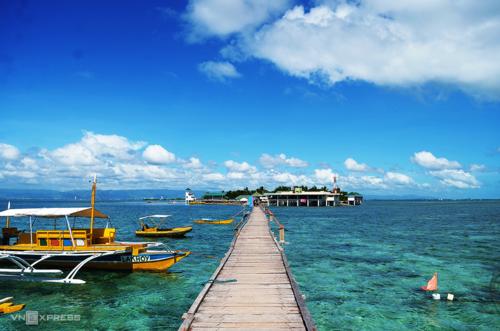 Bay đến Manila, du khách dễ dàng nối chuyến sang các đảo nổi tiếng của Philippines như Cebu, El Nido, Boracay...Ảnh: Phong Vinh.