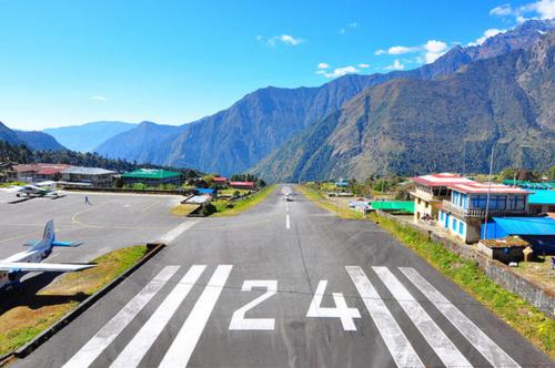 Sân bay Lukla với đường bang ngắn nhất thế giới. Ảnh: Atlas Obscura