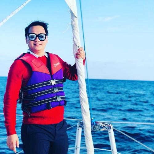 Anh Hoàng Huy rất hào hứng với hành trình trải nghiệm tàu ngầm ở Jeju.