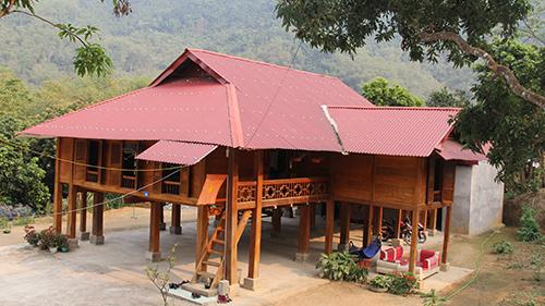 Một căn nhà sàn ở điểm du lịch cộng đồng bản Ngàm, xã Sơn Điện. Ảnh: Lê Hoàng.