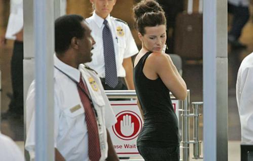 Harrington khẳng định đồng nghiệp tại TSA còn có những mật danh như Alfalfa (Cỏ Linh Lăng), Code Red (Mật mã Đỏ) và Fanny Pack (Túi Đeo Hông) dành cho những khách nữ hấp dẫn đi qua cửa an ninh. Ảnh: Twitter.