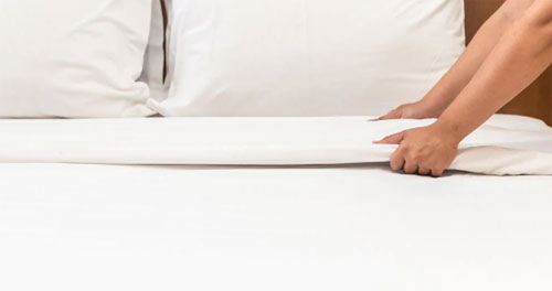 Một số người đưa ra quan điểm: bạn có quyền không tip, nhưng đổi lại bạn cũng không nên đòi hỏi phòng được sạch sẽ, và cũng không được thay khăn tắm mới. Tuy nhiên ý kiến này không nhận được đồng tình từ nhiều người. Ảnh: Daily Telegraph.