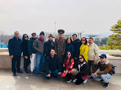 Đoàn khách Việt tham quan khu phi quân sự DMZ tại Triều Tiên. Ảnh:Đặng Sơn.