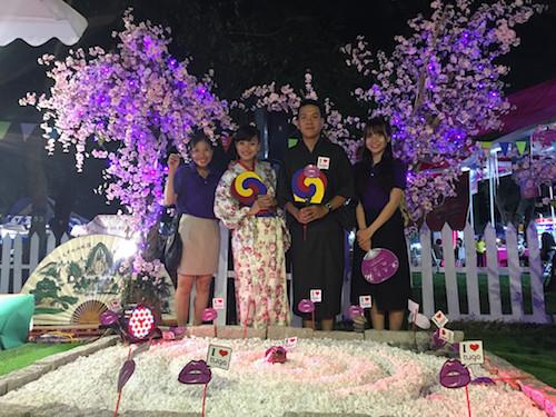 Vườn hoa anh đào của Tugo vào hội chợ du lịch 2018.