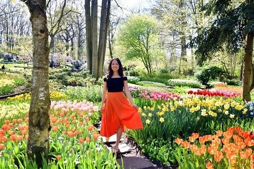 Dịp lễ dài 30/4 trùng thời điểm mùa xuân tại các nước châu Âu, đến đâu du khách cũng thấy trăm hoa đua sắc.