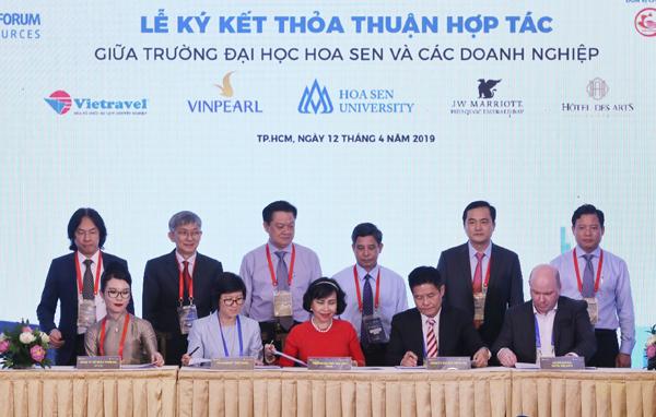 Lễ ký kết thỏa thuận hợp tác giữa trường Đại học Hoa Sen và các doanh nghiệp