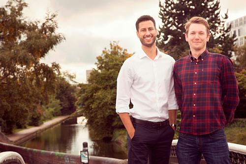 Mike Bandar, 29 tuổi và James Vardy, 31 tuổi được ca ngợi là những ông chủ tốt nhất nước Anh. Ảnh: Mirror.