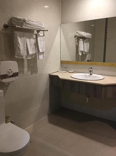 Khách sạn 4-5 sao sạch sẽ mang lại sự thoải mái cho khách du lịch. Ảnh: Tugo.