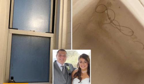 Căn phòng trên thực tế hai vợ chồng phải ở: cửa sổ vỡ, tóc của khách thuê trước đó vẫn còn sót trong bồn tắm. Ảnh: Sun.