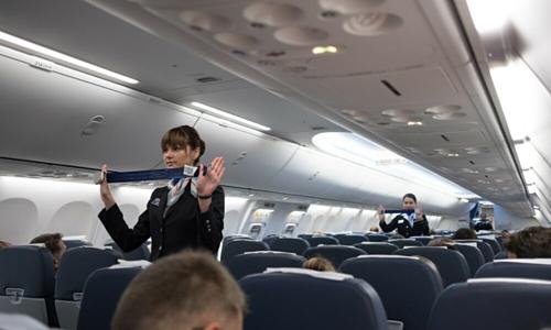 Hai hành khách của hãng Air New Zealand đã bị đuổi khỏi máy bay vì không chú ý tới hướng dẫn an toàn bay của tiếp viên. Ảnh: FlyerTalk.