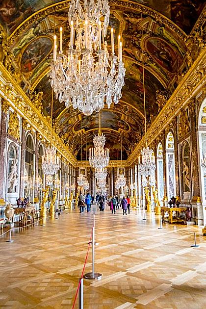 Cung điện Versailles không mở cửa vào thứ ba. Ảnh: Pinterest.