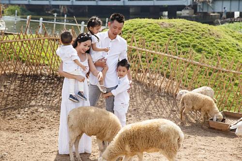 Gia đình diễn viên hài Ốc Thanh Vân sẽ có 5 ngày khám phá những điểm đến nổi tiếng bậc nhất Hàn Quốc.