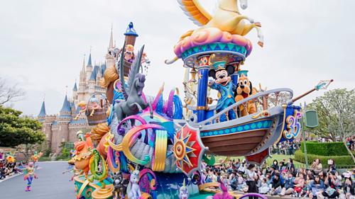 Disneyland là nơi có những trò chơi cổ điển mà mọi đứa trẻ đều thích. Ảnh: Disney.