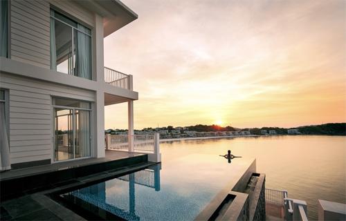 Những resort 5-6 sao đẳng cấp đang hút khách hạng sang đến Nam đảo Ngọc.